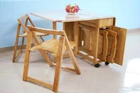 Bộ bàn ăn gấp gọn khi không sử dụng