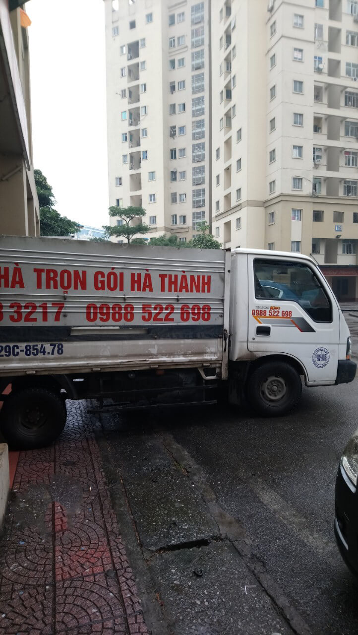 Xe chở hàng Hà Thành xuống đươc hầm tòa nhà